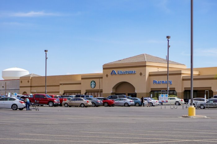 Exterior of an Albertsons store