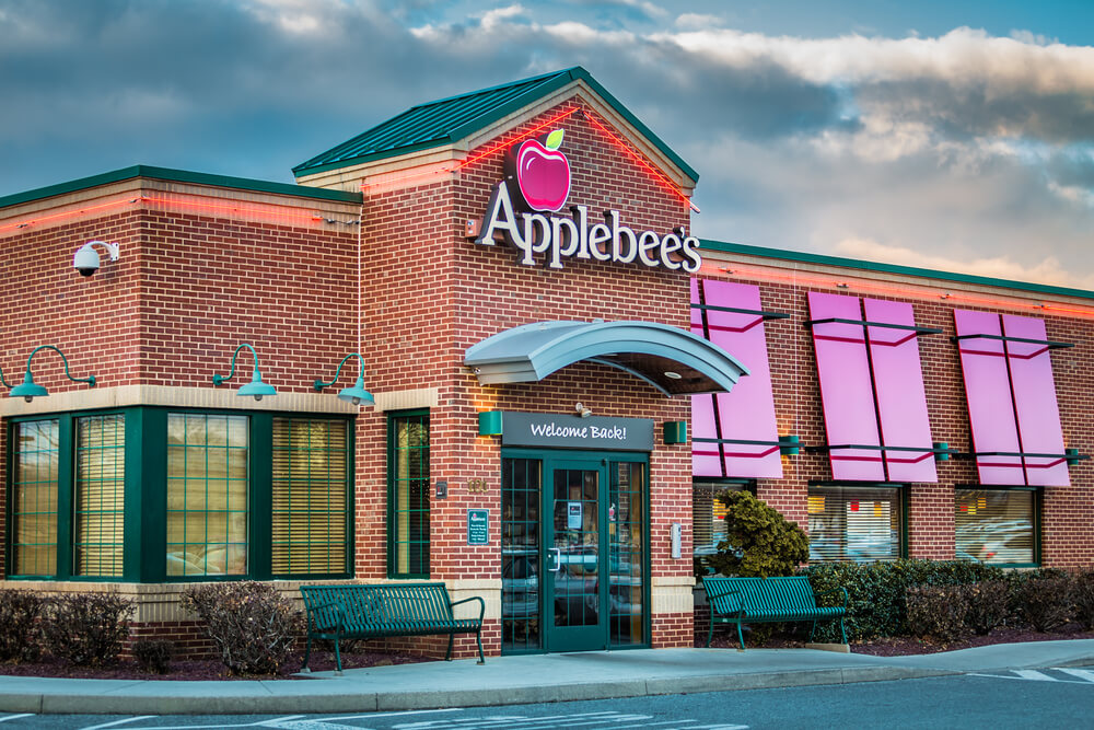 Exterior of an Applebee's restaurant location