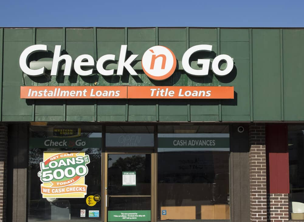 Exterior of a Check 'n Go
