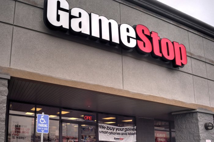 Exterior of a GameStop store