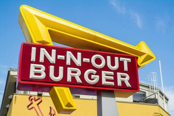 Does In-N-Out Take Apple Pay? In-N-Out Apple Pay Policy Explained