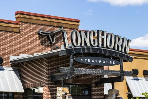 LongHorn Steakhouse Senior Discount Policy Explained