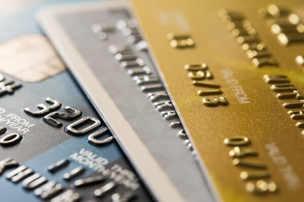 7 Low Income Credit Cards Listed (With Fees, Rewards, etc Shown)