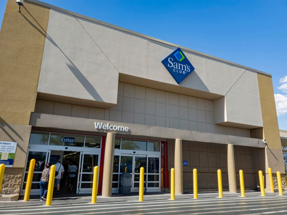 Front entrance of a Sam's Club store