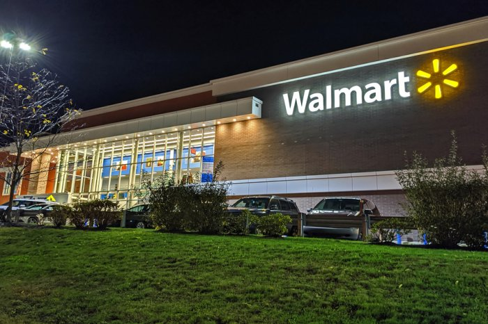 Walmart Overnight Parking Policy Explained: Availability, Tips, etc