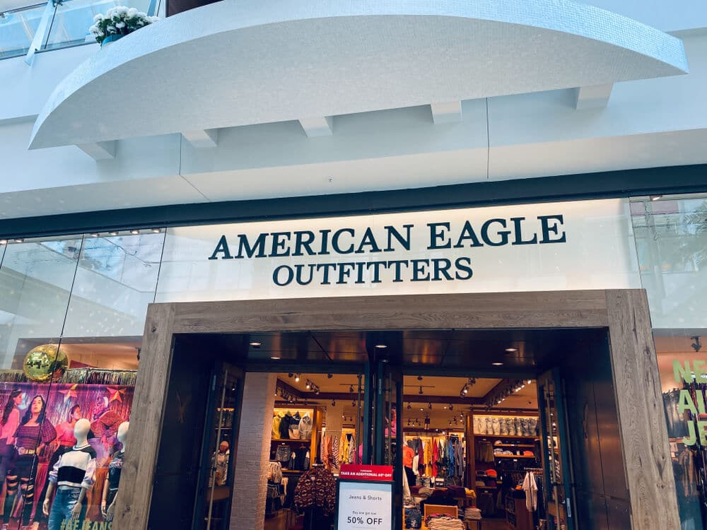 American Eagle storefront inside of a shopping mall