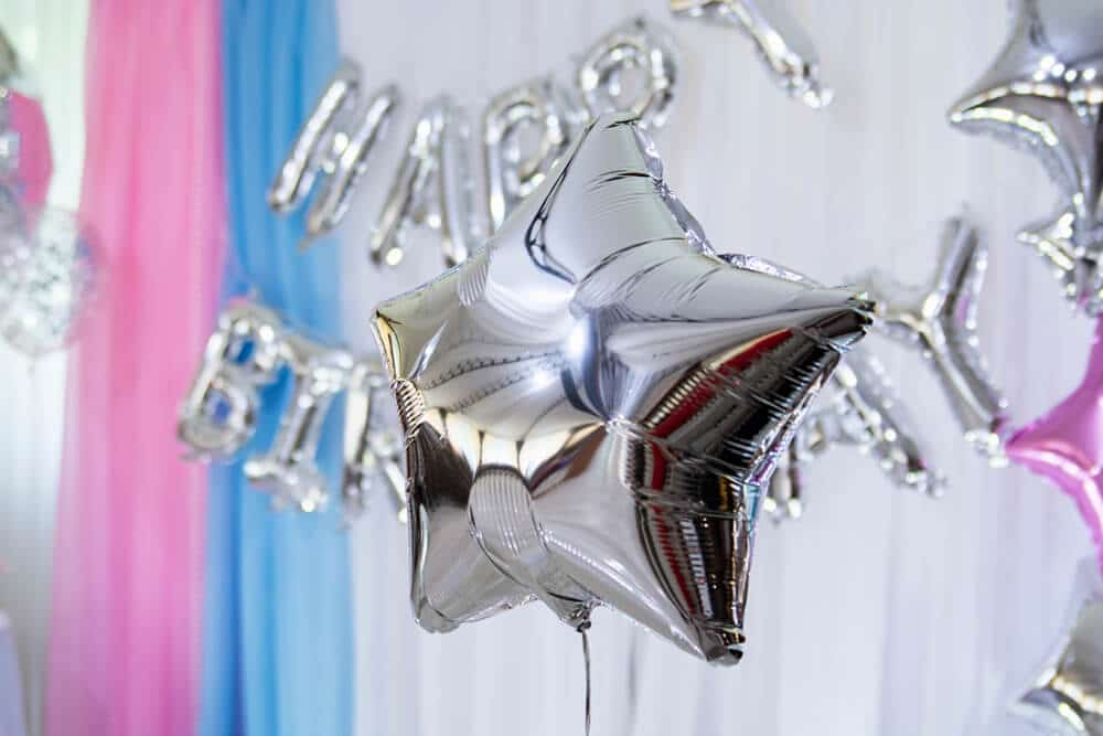 Latex-free star and letter balloons