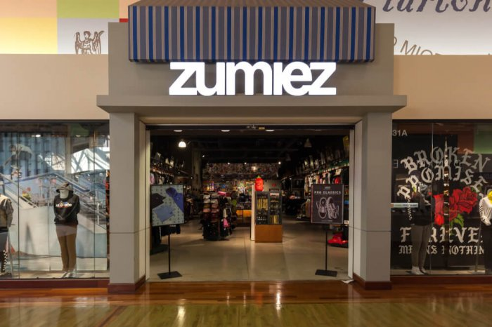 Entrance to a Zumiez store inside a mall