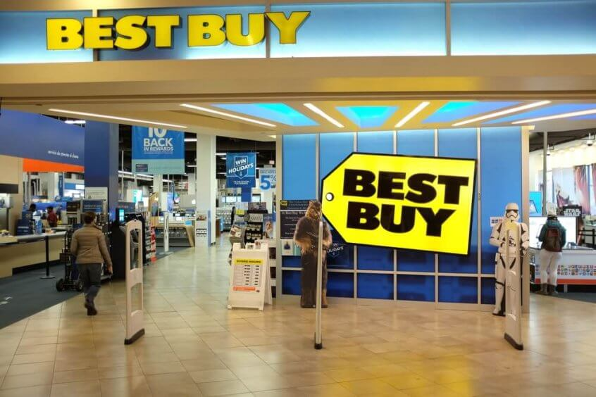 An entrance to a Best Buy store