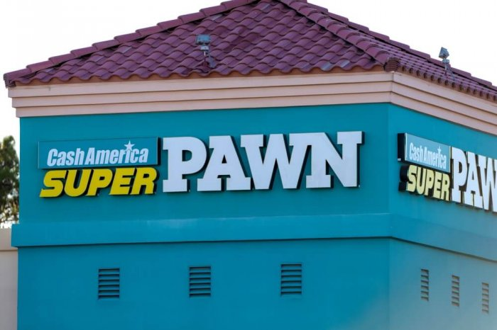 Cash America SuperPawn sign on a building