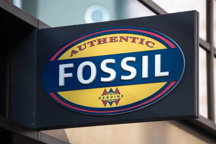 Fossil sign outside storefront