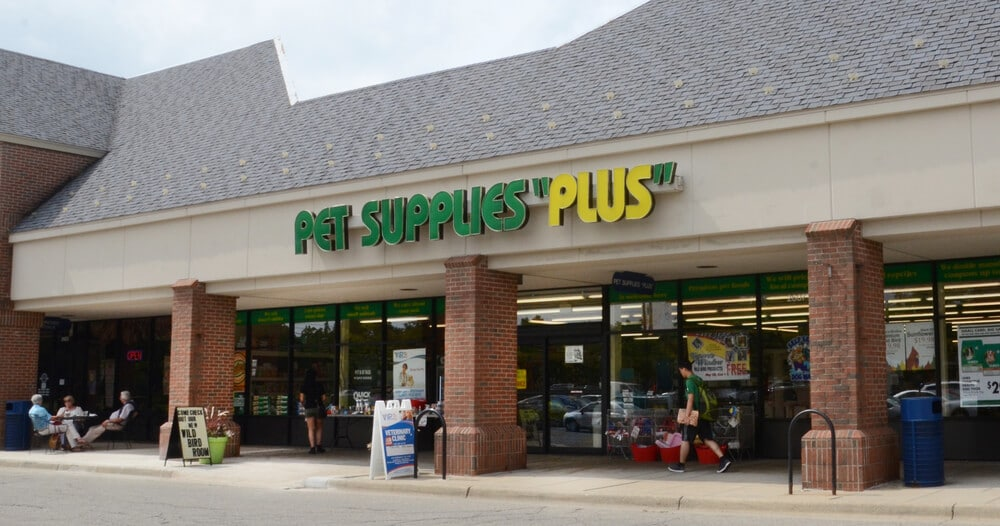 Exterior of a Pet Supplies Plus store